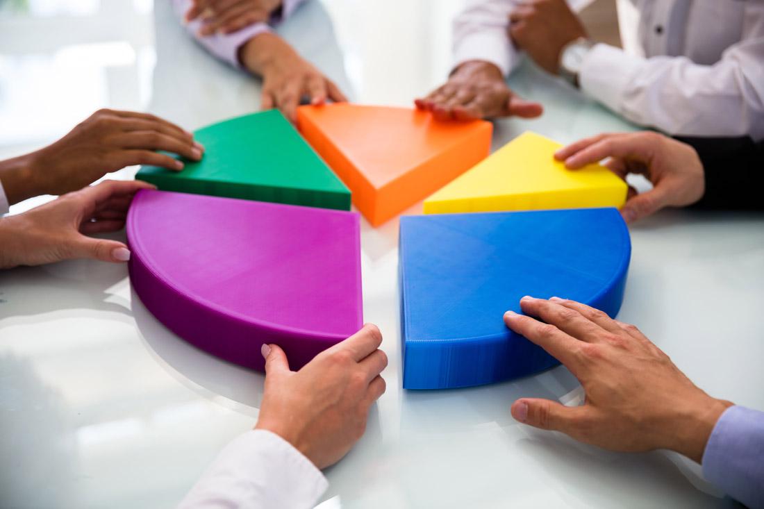 彩色立体拼图商务男女
