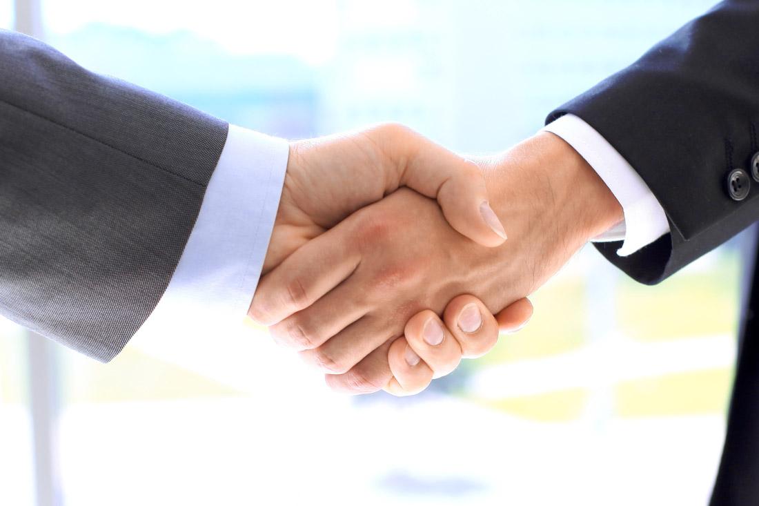 握手商务男人